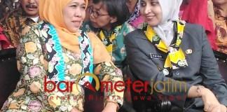 ACARA DI JEMBER: Khofifah dan Faida dalam satu acara di Kabupaten Jember. | Foto: Barometerjatim.com/ROY HS/DOK