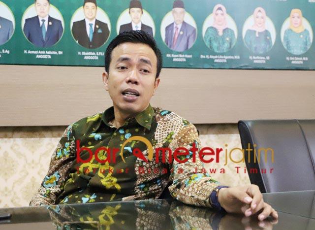PKB DI PILBUP SUMENEP: Fauzan Fu'adi, aksi demo terkait Fattah Jasin biasa jelang Pilbup. | Foto: Barometerjatim.com/ROY HS