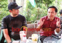 KADER GOLKAR: Gus Hans (kiri) dan Arif Fathoni, Golkar tak kekurangan kader di Pilwali Surabaya.   Foto: Barometerjatim.com/ROY HS