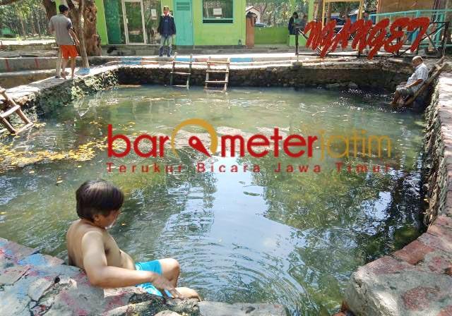 KEKAYAAN TUBAN: Wanawisata Sumber Nganget di Tuban, suguhkan tiga suhu air panas berbeda.   Foto: Barometerjatim.com/HAMIM ANWAR