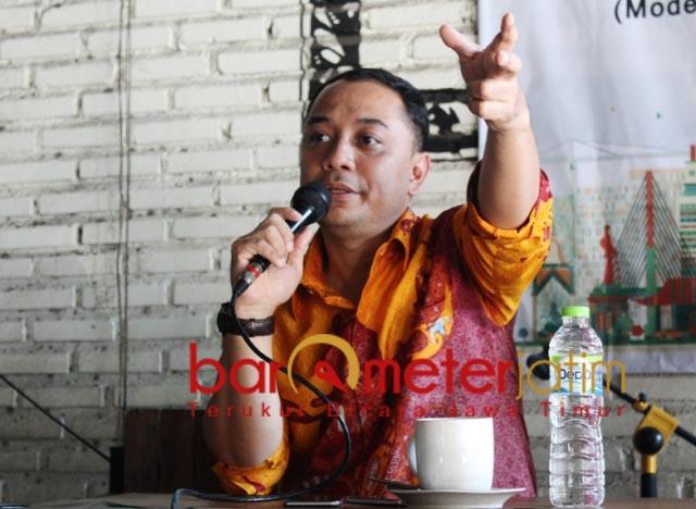 JALUR NU: Bakal wali kota Surabaya, Eri Cahyadi, sebut ibunya masih keluarga dari Ponpes Sidoresmo. | Foto: Barometerjatim.com/ROY HS