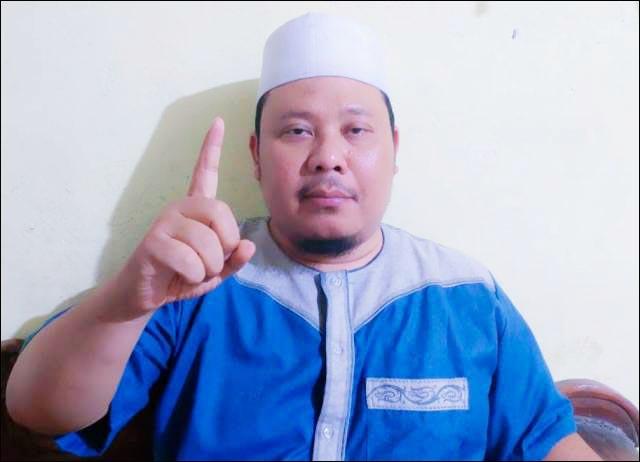 NOMOR SATU: KH Abdullah Muhajir Baasyaiban, tegaskan dukung Eri Cahyadi. | Foto: Barometerjatim.com/ROY HS