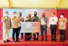 JATIM BERMASKER: PT REIN menyumbang 25 Ribu masker di tiga desa di Sidoarjo. | Foto: Barometerjatim.com/ROY HS