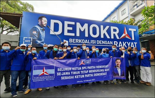 LOYALITAS UNTUK AHY: 29 ketua DPC Partai Demokrat jATIM deklarasi setia terhadap kepemimpinan AHY. | Foto: IST