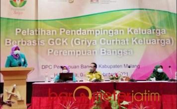 GCK PB MALANG: Anik Maslachah beri sambutan saat launching GCK Perempuan Bangsa Malang. | Foto: Barometerjatim.com/ROY HS