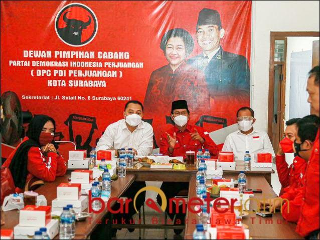 GAYENG: Eri Cahyadi-Armuji silaturahmi dengan pengurus PDIP Surabaya. | Foto: Barometerjatim.com/ROY HS