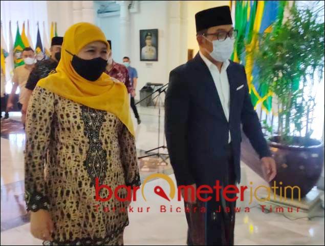 'SEJOLI': Kehadiran Gubernur Jatim, Khofifah di Gedung Sate disambut hangat Gubernur Jabar, Ridwan Kamil. | Foto: Barometerjatim.com/ABDILLAH HR