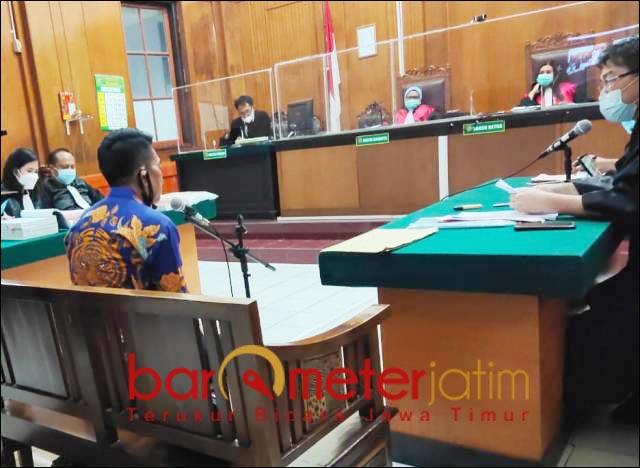 PERKARA TAMBANG: Sidang perkara penipuan pembangunan infrastruktur tambang di PN Surabaya. | Foto: Barometerjatim.com/ABDILLAH HR