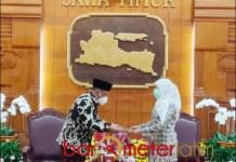 MINTA MAAF: Marhaen Djumadi, minta maaf Novi Rahman Hidayat terjerat korupsi. | Foto: Barometerjatim.com/ABDILLAH HR