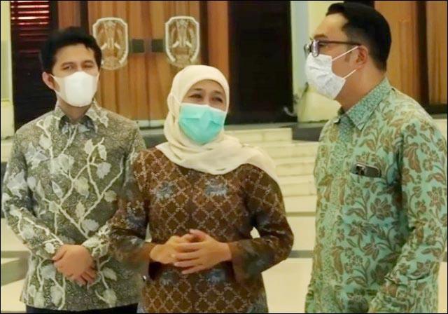 ISLAMIC CENTER: Gubernur Ridwan Kamil bersama Gubernur Khofifah dan Wagub Emil Dardak meninjau Islamic Center.   Foto: IST