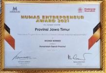BRONZE WINNER: Inilah piagam bronze winner Humas Entrepreneur Award 2021 yang diterima Pemprov Jatim.   Foto: IST
