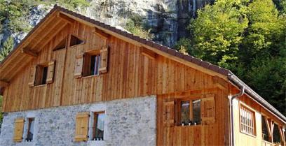 Le bois dans toutes ses essences par Barrachin Bois à Thônes Haute-Savoie