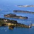 Viele kleine Inseln im Golf von Morbihan
