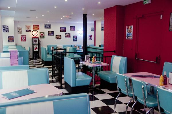 HD Diner  Chtelet Paris France 50s retro by Bars  Booths