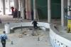 Prace przy basenie z falą
