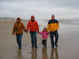 Manon, Bas, Elana en Rob on the beach in Egmond