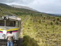 Met de trein door het prachtige landschap van Ecuador