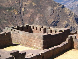 Perfect strakke muren in Pisac