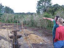 Reg geeft uitleg over zijn bouwproject