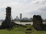 Ruines van Panama Viejo, met het huidige Panama City op de achtergrond