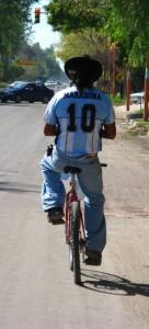 IMG_3766_Maradona_op_de_fiets