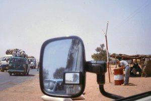 Roadblock in Niger, stiekem een foto genomen