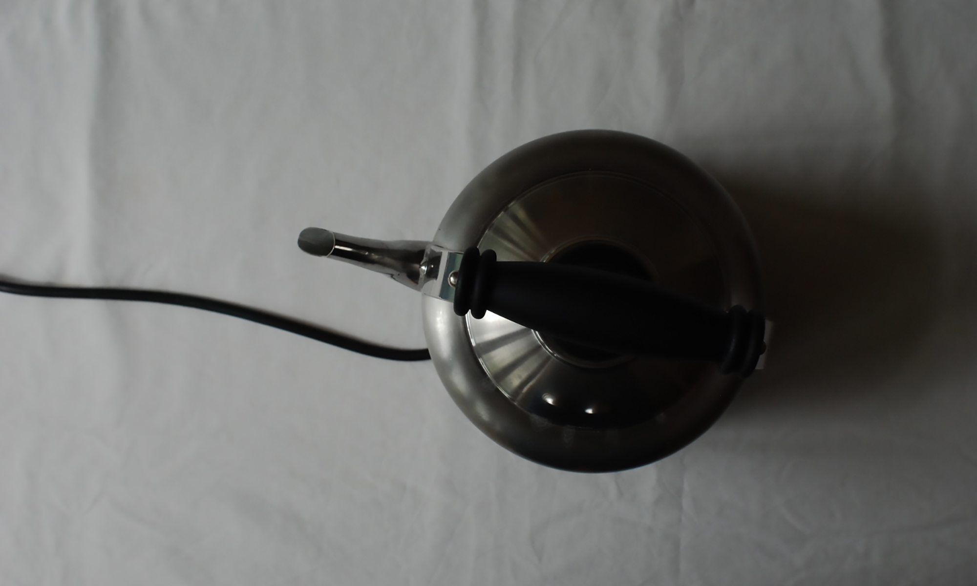 Plastic-free stainless steel kettle - non-plastic - well being