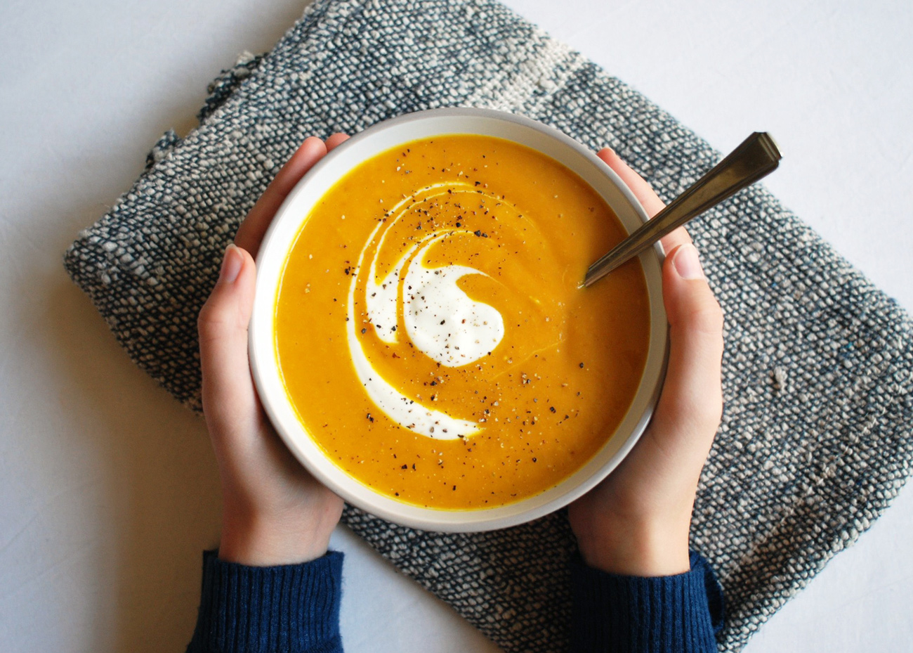cancer prevention carrot soup recipe - to bust cancer! - with garlic, turmeric, and ginger.