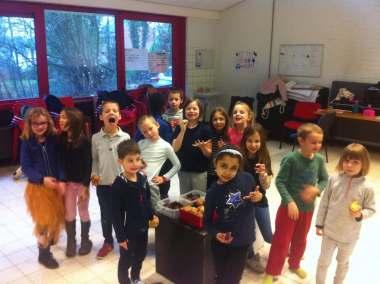 Enfants joyeux de l'association Bas les Masques