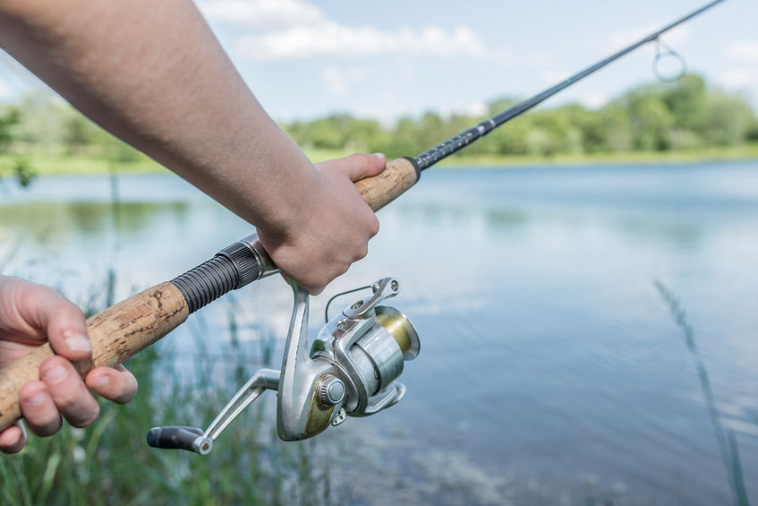Can you put a spinning reel on a casting rod