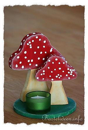 Basteln mit Holz fr den Herbst  Tischdeko mit Pilzen