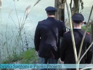 Vuole morire, si getta nel fiume, ma arrivano due eroi e...[FOTO E VIDEO]