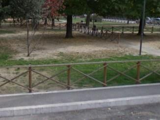 """Parcheggi """"selvaggi"""" in parchi, arrivano le sanzioni"""