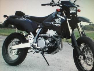 Rubata, in via Marzabotto a Bastiola, una moto Suzuki 400 di colore nero