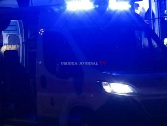 Incendio a Bastia, fiamme invadono appartamento, ragazza in ospedale