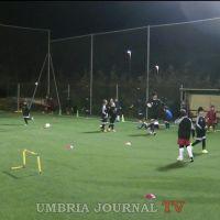 A Borgo I Maggio di Bastia Umbra un campo da calcio in erba sintetica VIDEO