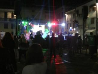 Concerto in piazza per PaliOpen, Suor Noemi, musica alta ha creato problemi