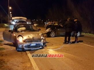 Incidente stradale a Bastia Umbra, scontro tra auto, due feriti