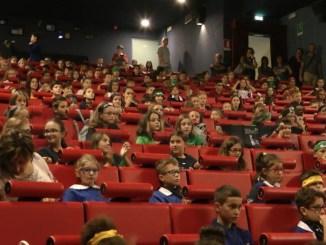 Il Palio ha incontrato la scuola, ieri al Cinema Teatro Esperia un'allegra giornata