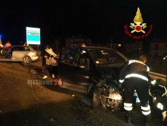Tamponamento nella notte, incidente sulla 75 Centrale Umbria, feriti lievi