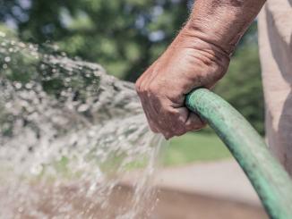 Divieto di usare l'acqua per scopi diversi da quello potabile ed igienico – sanitario