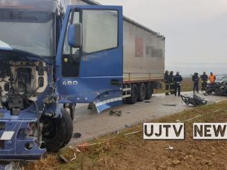 Scontro tra auto e camion a vicino Ospedalicchio, un ragazzo ferito