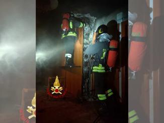 Incendio canna fumaria a Bastiola, tanta paura, ma nessun ferito
