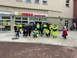 La solidarietà non si ferma mai, al Giontella consegnati pacchi alimentari