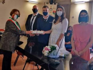 Il primo matrimonio dopo il lockdown a Bastia, Stefano e Giulia
