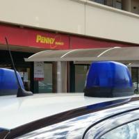 Altra rapina al Penny Market di via Gramsci a Bastia Umbra 🔴▶ Foto