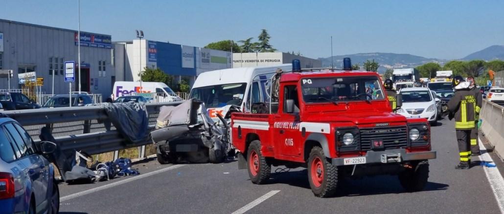 Gravissimo incidente stradale sulla 75 Centrale Umbra ad Ospedalicchio, un morto, grave la figlia