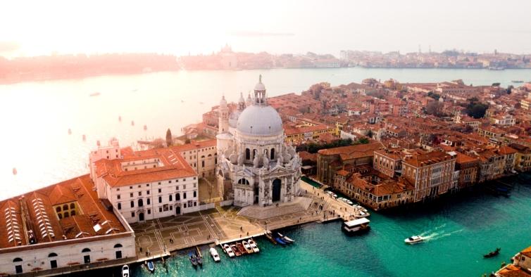 Porto-Veneza por apenas 280€ num hotel com vista para o Grande Canal