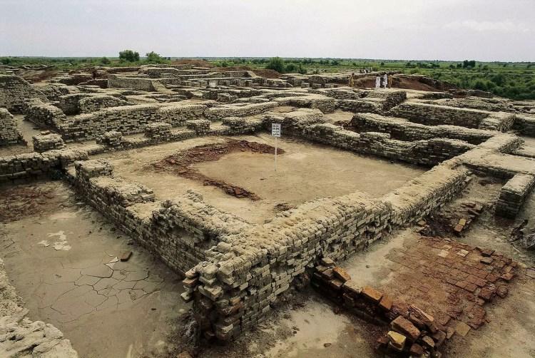Asal Usul & Sejarah Batu Bata Merah: Penemu & Pembuat Batu Bata