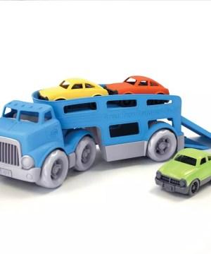 Traghetto con auto